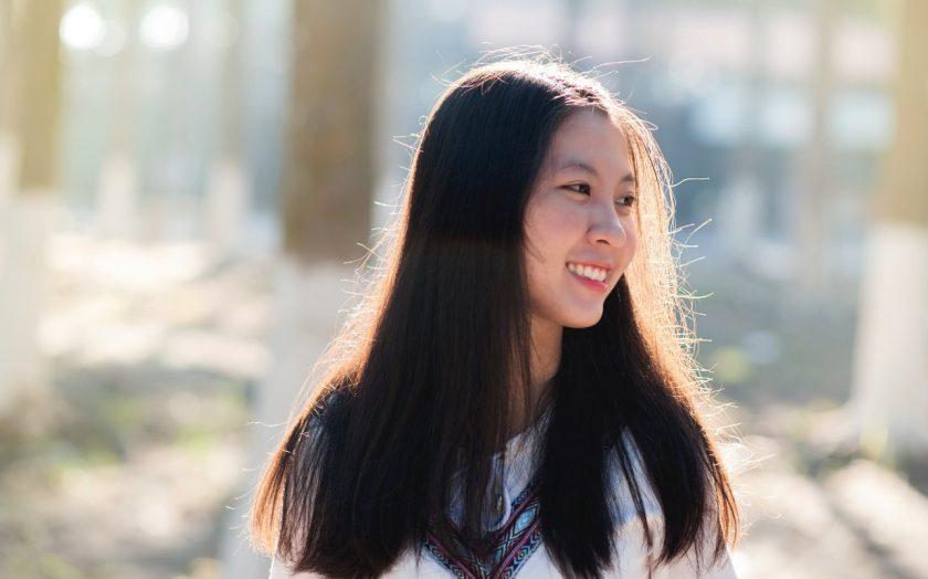 フィリピン人のオンライン英会話講師の若い女の子