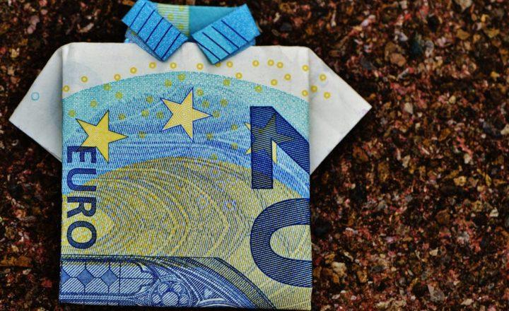 ユーロ札で作ったポロシャツの折り紙