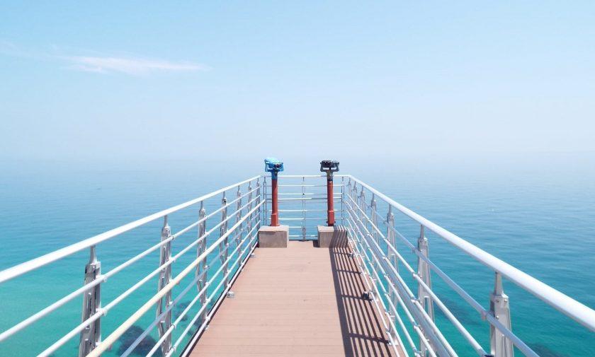 海と空に伸びる橋海と空に伸びる橋
